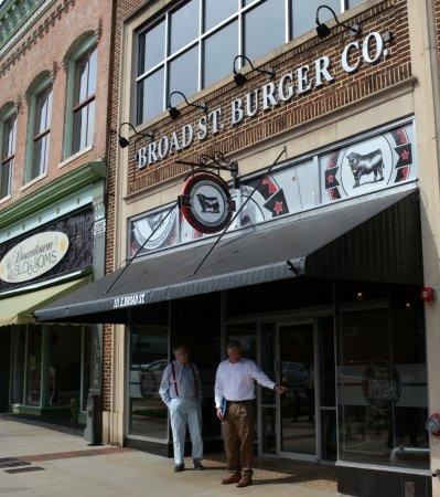 Statesville, Северная Каролина: Store Front
