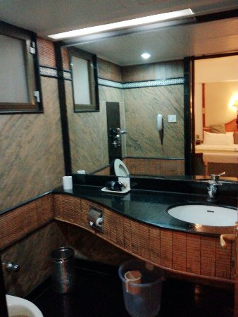 Excellent Hotel Near Andheri