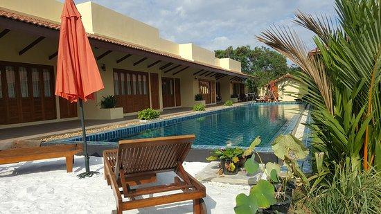 Nong Prue, Thailand: Suites overlooking 25m lap pool