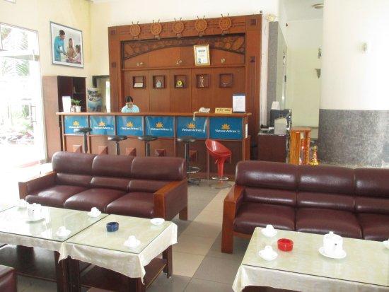 Que Huong Hotel: Photo prise par Guy Lazignac_17702_170224_La reception_Quê Hương_Sóc Trăng_VN