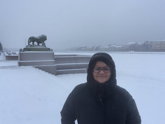 Petersburg Free Tour: Near the frozen river