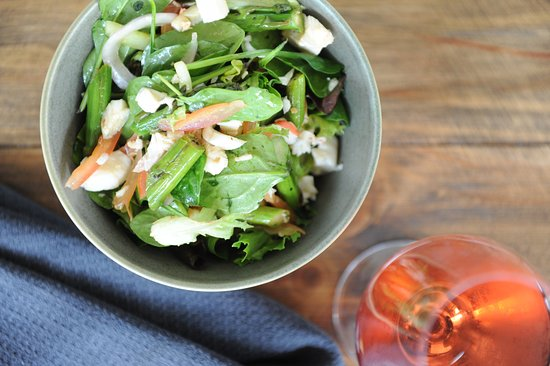 Robe, Australia: Lobster salad with a local wine