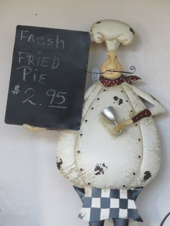 Roland, Οκλαχόμα: They were sold out of fresh fried pies