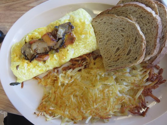Roland, OK: Veggie omelet with hash browns and rye toast