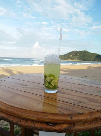 Ponta do Ouro, Mozambique: Congratulation Fristinha, the new front beach bar is a really nice place to relax and take some
