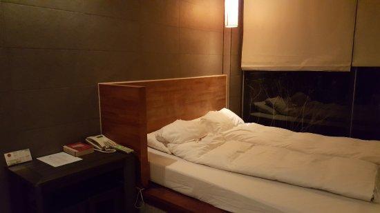 เดอะซันฮอทสปริงรีสอร์ท: 床舖算舒適