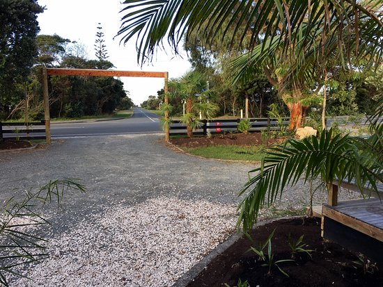 Mangawhai, New Zealand: 6 car parking space