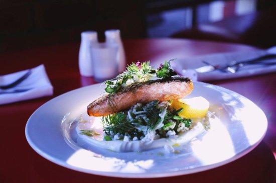 Mildura, Australia: Crispy Skinned Salmon & Quinoa