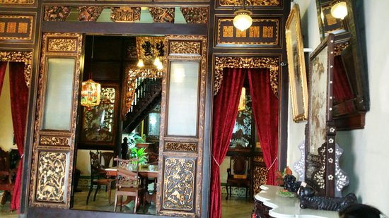 Baba & Nyonya Heritage Museum: Interior - only room photo taking is allowed