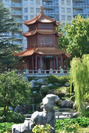 The Chinese Garden of Friendship in Darling Harbour, Sydney ...