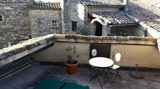 Arpaillargues, Fransa: la terrasse privative de la chambre