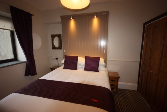 The Strathmore: Room 5 Luxury King