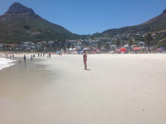 Camp's Bay Beach: Warme dag op het strand van Camps Bay