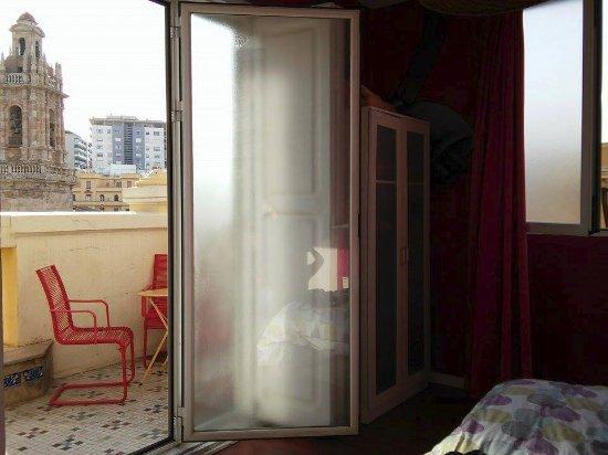 accesso al terrazzo antico - Picture of Purple Nest Hostel ...