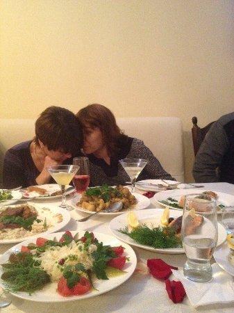 Myrhorod, Ukraine: Блюда оформлены аппетитно!
