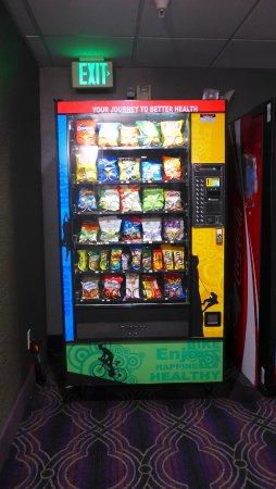 San Bruno, Καλιφόρνια: Automat für Süßigkeiten und Chips