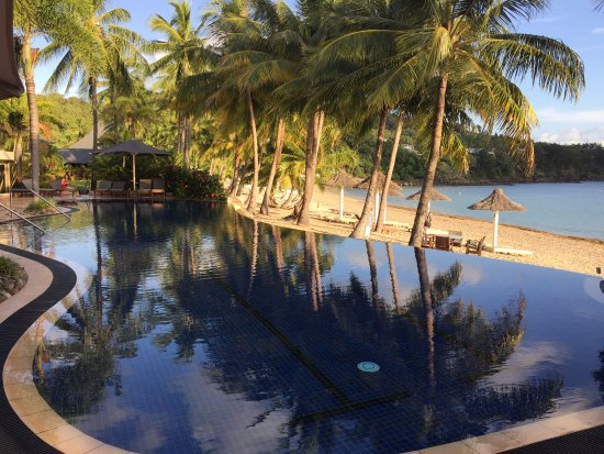 Beach Club: Infinity Pool