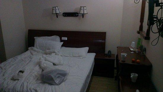 Hotel Sky Roma: IMAG4788_large.jpg