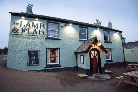Lamb & Flag Inn: Newly decorated