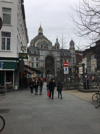 Bahnhof Antwerpen-Centraal: Centraal Station