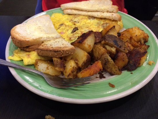 Waltham, MA: Meatlover Omelet