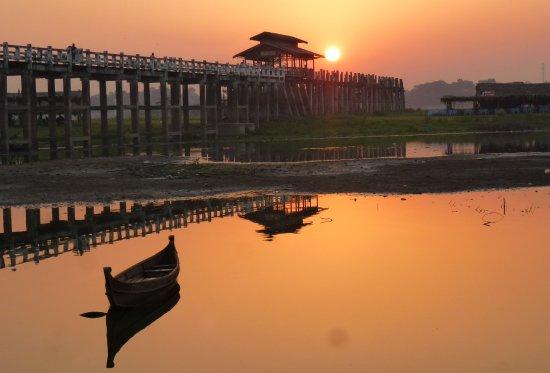جسر يو بن: Sonnenaufgang an der U-Bein-Brücke