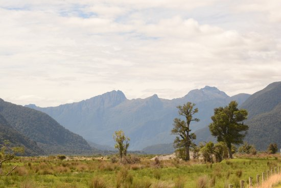 Haast Pass: Haast Valley mountains