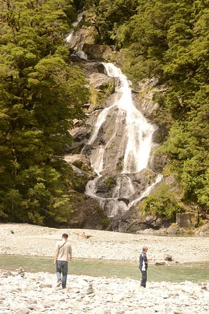 Haast Pass: Fantail Falls