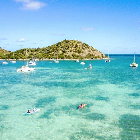 Cul de Sac, St. Maarten: 2 kayakers going to Pinel Island