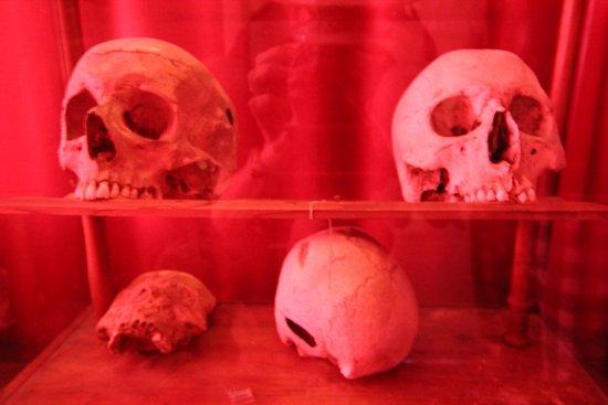 Waterloo, Belgia: Skulls