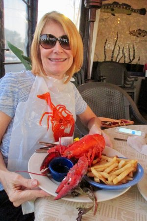 Juno Beach, FL: The 1 and 1/2 pound Maine lobster served with a salad and french fries.