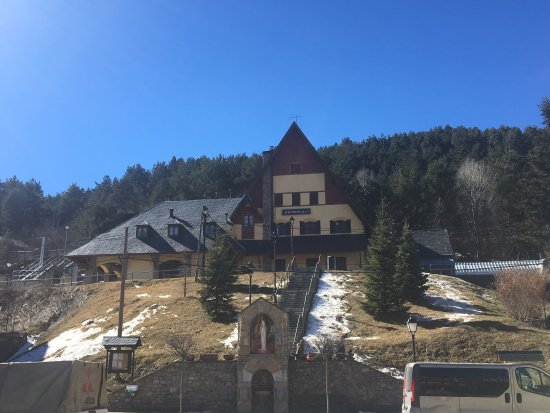 La Molina, Spagna: Sun and blue sky and about 7°C