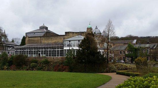 Pavilion Gardens: Buxton Park