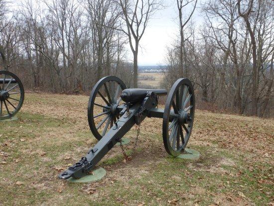 Harpers Ferry, Virginia Occidental: Battlefield across main highway