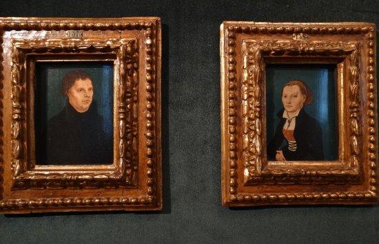 Güstrow, Alemania: Luther und seine Frau Katharina von Bora als TEil der Ausstellung