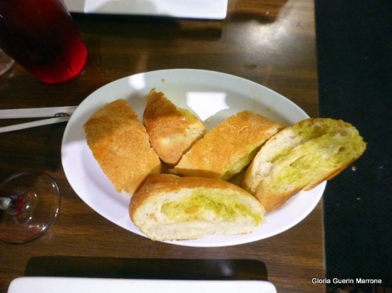 Rockledge, Φλόριντα: Different Italian Bread Drizz;led with Olive Oil