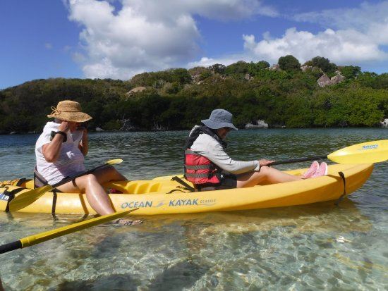 Road Town, Tortola: Great 2 person kayaks and crystal clear waters!