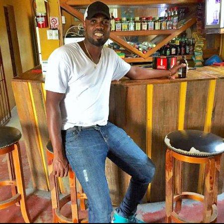 Carlos Island Tours: Carlos on a day off enjoying a Red Stripe