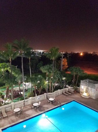 Miami Gardens, FL: Night Shot of Pool From Balcony