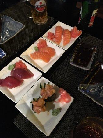 Bluefin Japanese Fusion and Lounge: Не реально вкусные суши
