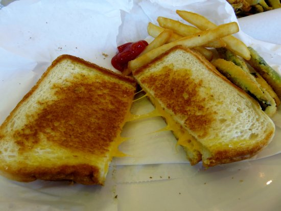 Lake Elsinore, CA: Grilled Cheese and Fries @ Douglas Burgers