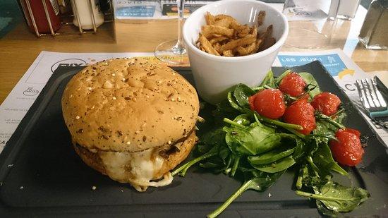 Roques, France: Burger Canardo