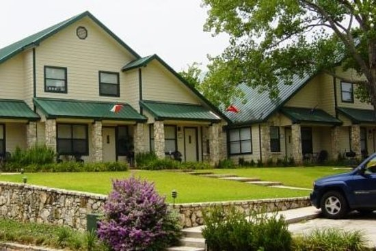 Kingsland, TX: two and three bedroom villasView