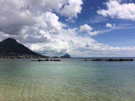 Flic En Flac: Tamarin Bay und dahinter Le Morne Brabamt