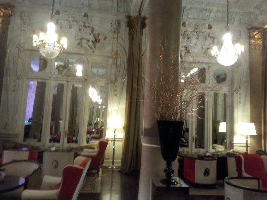 Savoy Hotel: Lounge