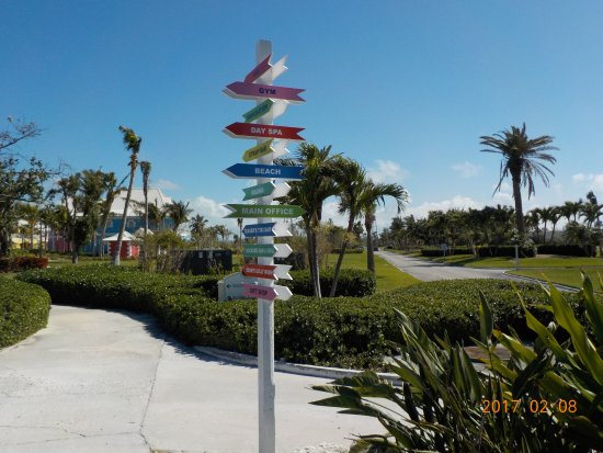 West End, Grand Bahama Island: On the pathway