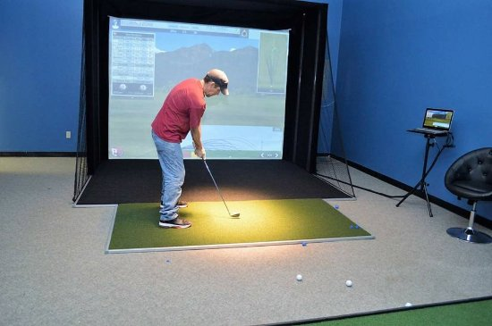 Ellsworth, ME: Indoor Golf Simulator - Want to play Golf Year round? Looking to practice your swing?