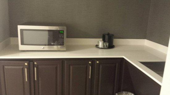 Hebron, KY : New Zurich Studio Room kitchenette