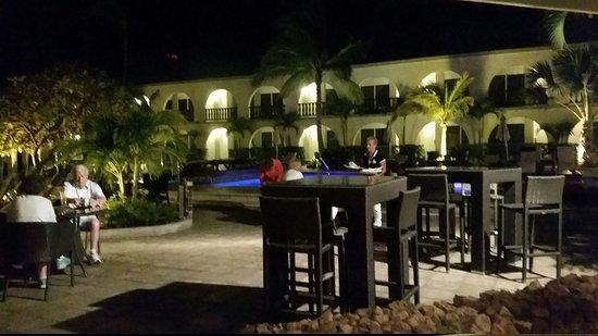Talk of the Town Hotel & Beach Club: 20170211_194110_large.jpg