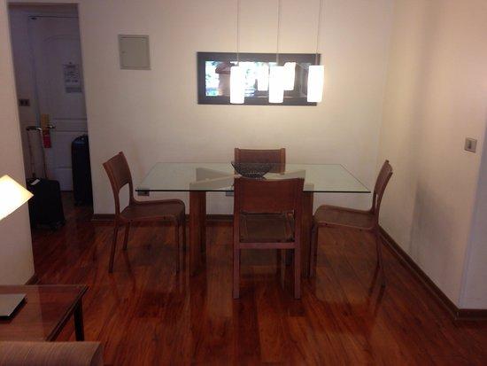 Time Suite: mesa da sala